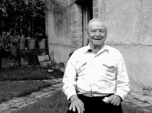 Papá Guadalupe en su Casa © Rosa Castañeda 2014